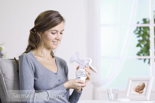 Máy hút sữa bằng tay Wellbeing Chicco