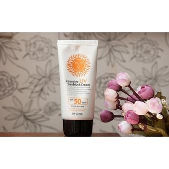Kem chống nắng 3W CLINIC Intensive UV Sunblock Cream SPF 50 + Pa+++ 70 ml