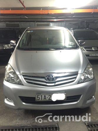 Toyota Innova  2011