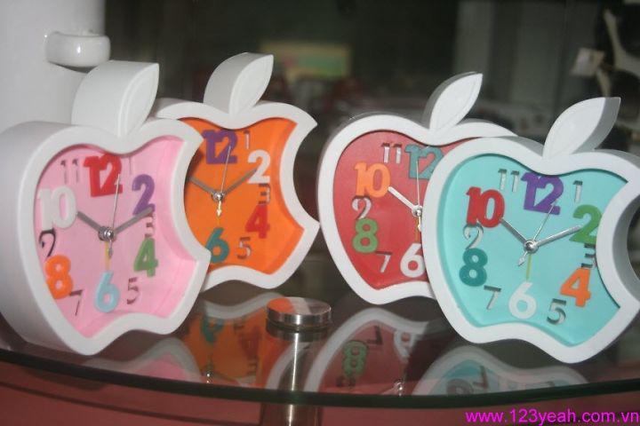Đồng hồ báo thức trái táo apple sành điệu DHDB25