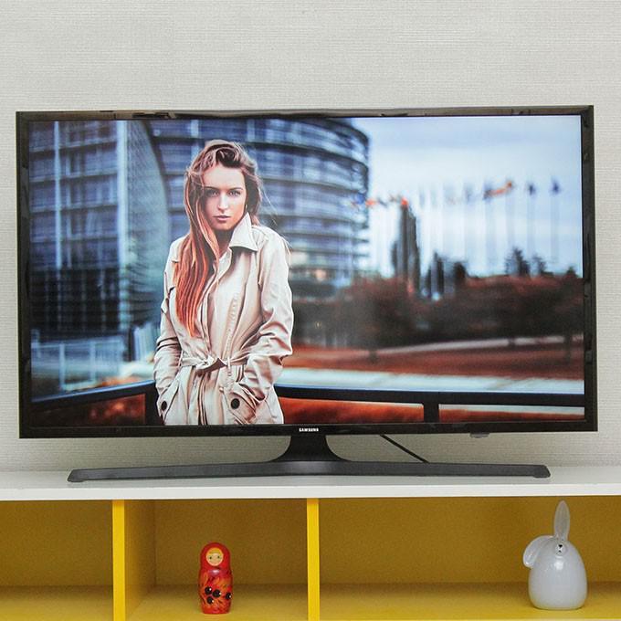 Smart Tivi LED Samsung 40inch Full HD - Model UA40J5200 (Đen)