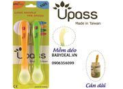 Muỗng mềm Upass cán dài sản xuất tại Đài Loan, không chứa BPA an toàn cho bé