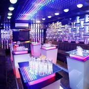 Thỏa sức ca hát và ăn uống tại Karaoke Luxury