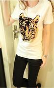 Áo thun hình hổ màu trắng