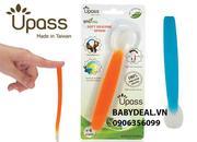 Thìa ăn dặm Upass làm từ silicon siêu mềm không BPA, sản xuất và nhập khẩu từ Đài Loan