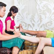 Gói Couple: Massage Body Đá Nóng + Massage Foot + Ngâm Chân + Đắp Mặt Nạ Cho Cặp Đôi (2 Người)