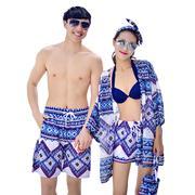 Bộ đồ đôi đi biển gồm : 1 bộ bikini, 1 áo choàng nữ, 1 quần đùi nữ và 1 quần đùi Nam HQ 11A