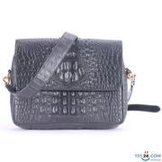 Túi xách da cá sấu Huy Hoàng hộp vuông màu đen - HH6201