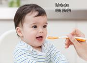Bình sữa Avent thuỷ tinh natural chống sặc với núm ty rất mềm cho bé