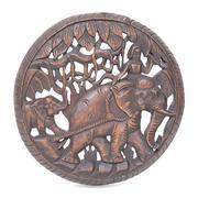 Vòng gỗ phụ nữ cưỡi voi GK Decoration SP000803 (Nâu)